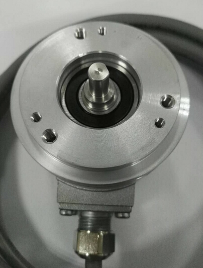 堡盟baumer旋轉IFRM 04N35A1/L編碼器
