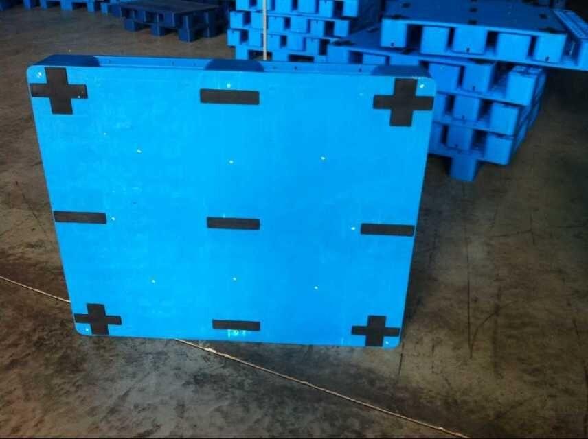 內蒙古一次性塑料托盤博馳工廠出口專用塑料托盤-出廠價銷售