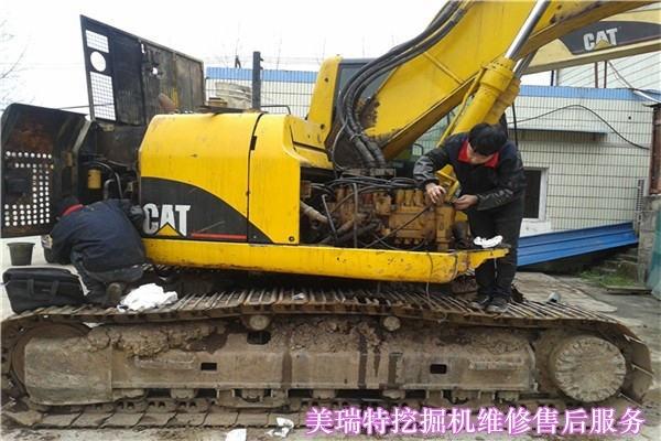 阿坝县小松挖掘机维修售后服务电话