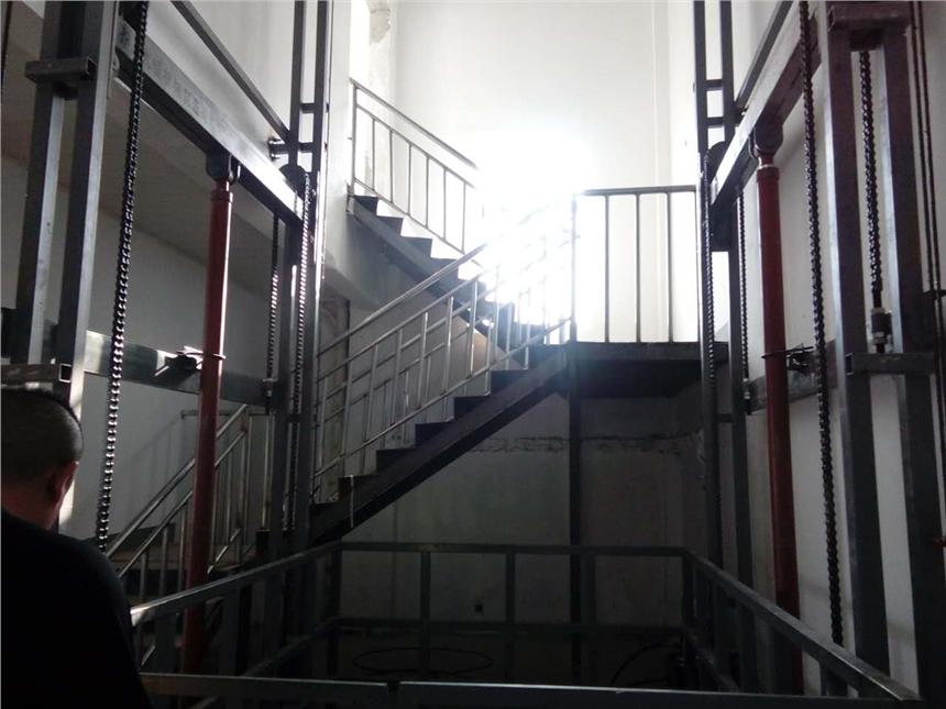 天津的用途用法2吨升降平台