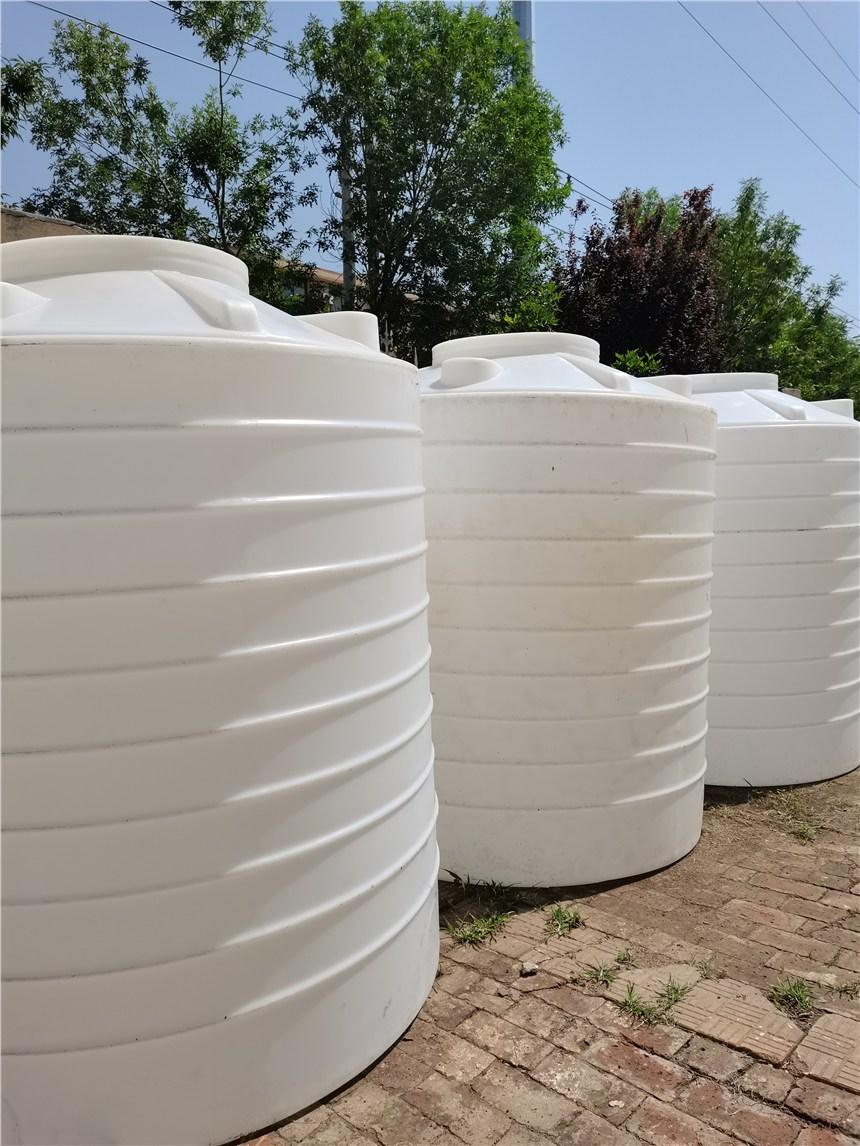 山東煙臺市潤滑油儲存罐印染抗紫外線水塔