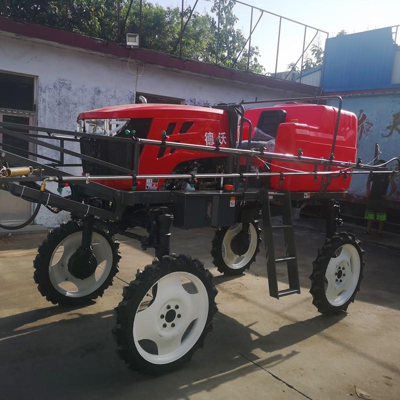 雅安四轮玉米喷药机型号柴油机带的小麦玉米打药机图片及视频