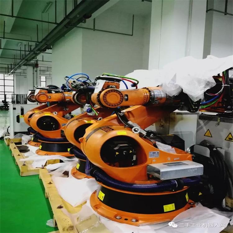 机器人租赁-十年前人当机器用,十年后机器当人用
