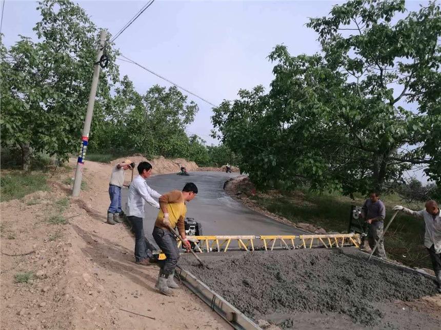 山东济宁厂家10米混泥土框架式路面整平机