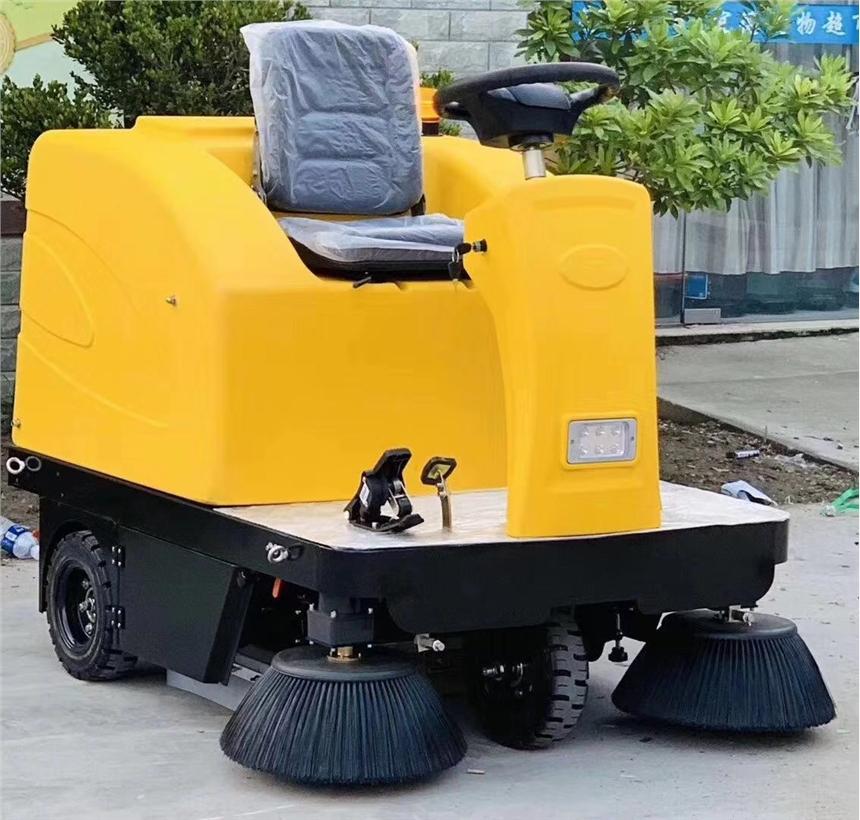 小鋼炮座駕單獨的掃地車 吸塵灑水清掃車廠家直銷買一送一