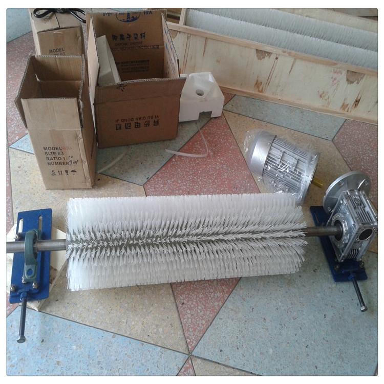 電動毛刷清掃器 b-1200  電動刷滾清掃器b-800  電機和減速機帶動