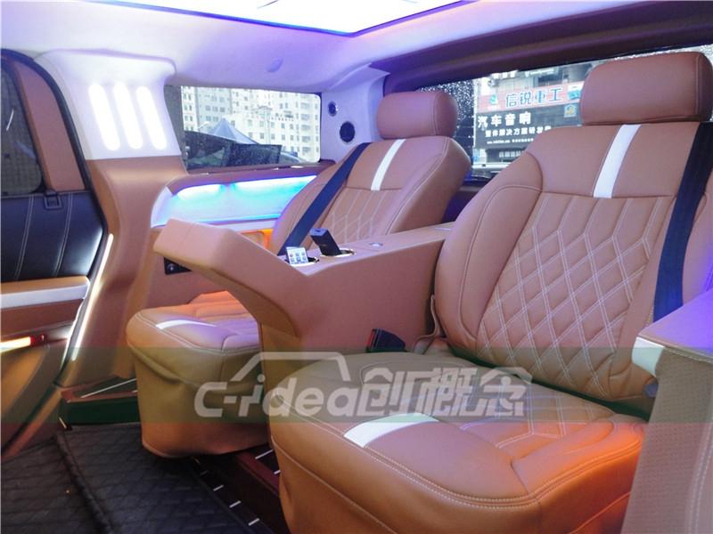 创概念悍马H2改装全隔断商务内饰 加装豪华航空座椅