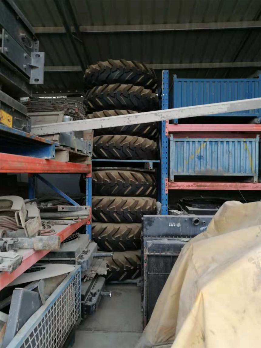 清庫存15.5-25平地機雪地沼澤專用輪胎
