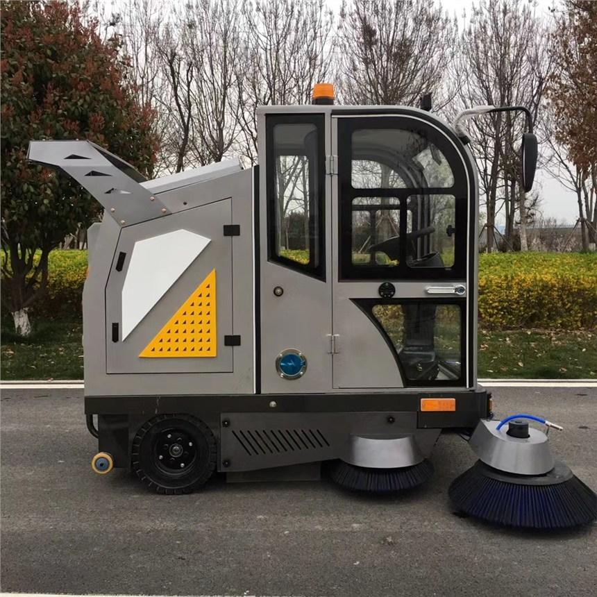 青海智能駕駛式清掃車JC2200 多功能清洗霧炮灑水吸塵掃地車