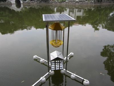 太阳能水库诱虫灯