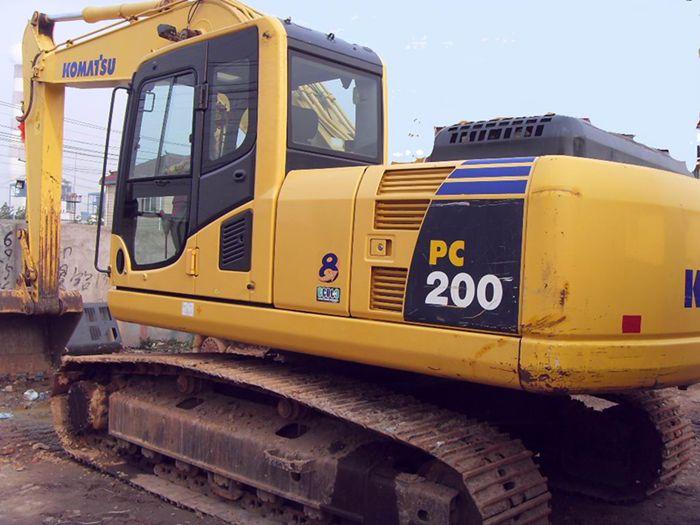 2010年二手履带式挖掘机小松PC200-8