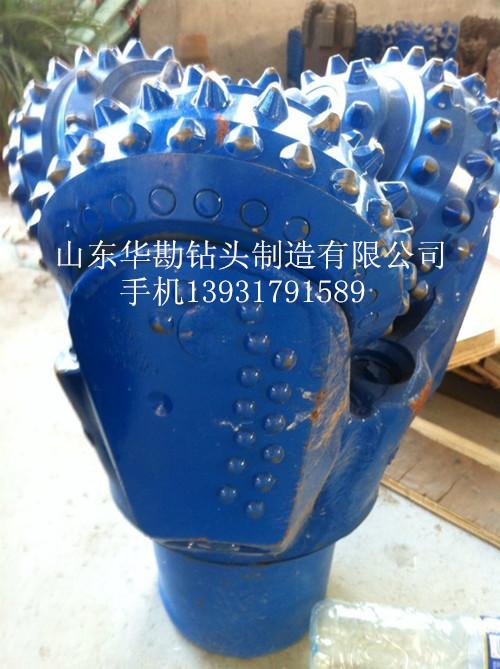 供应13 5/8寸(346mm)镶齿牙轮钻头,钢齿牙轮钻头