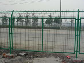 江苏小区围墙铁丝网,带框的小区铁丝网围墙,公路护栏