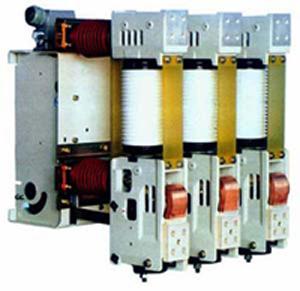 技术领先ZN68-12户内高压真空断路器