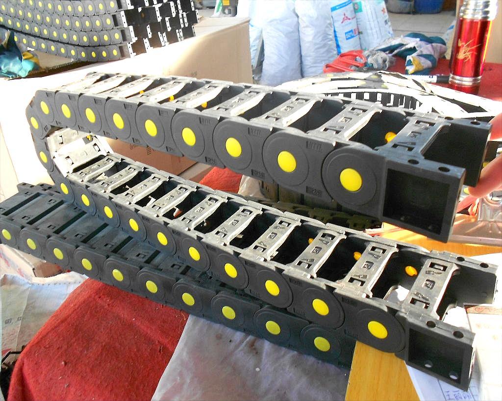 加工定做机床桥式塑料拖链 尼龙拖链免费送货