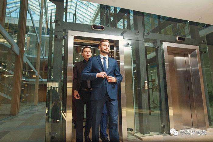 """""""安全智能""""电梯  从此不怕被困电梯"""