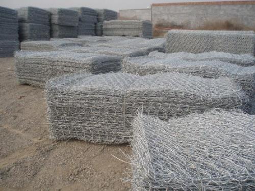 铅丝石笼网,蜂巢挡墙网