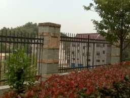 离石草坪花坛围栏