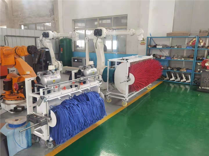 High building curtain wall cleaning machine