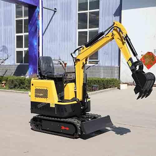 四轮液压15型全新挖掘机,开挖水沟河道多用挖机