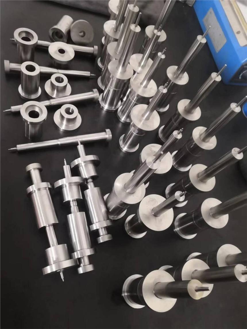 厂家直销定制各类螺栓,螺母,固定件