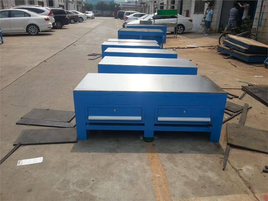 承重2吨模具桌图片 25mm厚钢板模具桌生产商