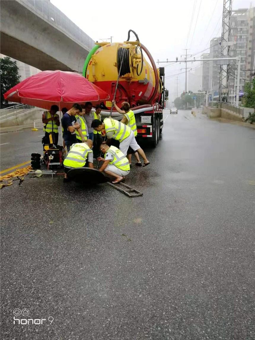 武汉青山区红卫路雨水管道疏通