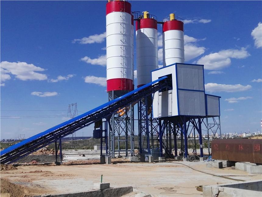 大型环保搅拌站设备性能免基础搅拌站