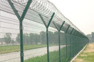 供应护栏网 公路护栏网 铁路护栏网—安平顺兴